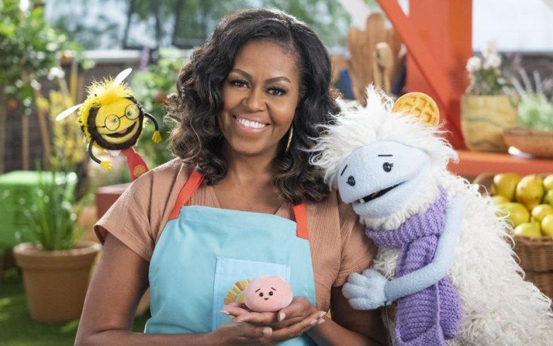 Waffles y Mochi serie de animación culinaria. Con el estreno el martes de la nueva serie de Netflix Waffles y Mochi, los niños y las familias se deleitarán con un mundo de descubrimientos culinarios.